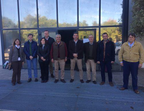 El Consejo Regulador de la IGP Garbanzo de Escacena celebra su último pleno del año con la asistencia del delegado provincial de Agricultura